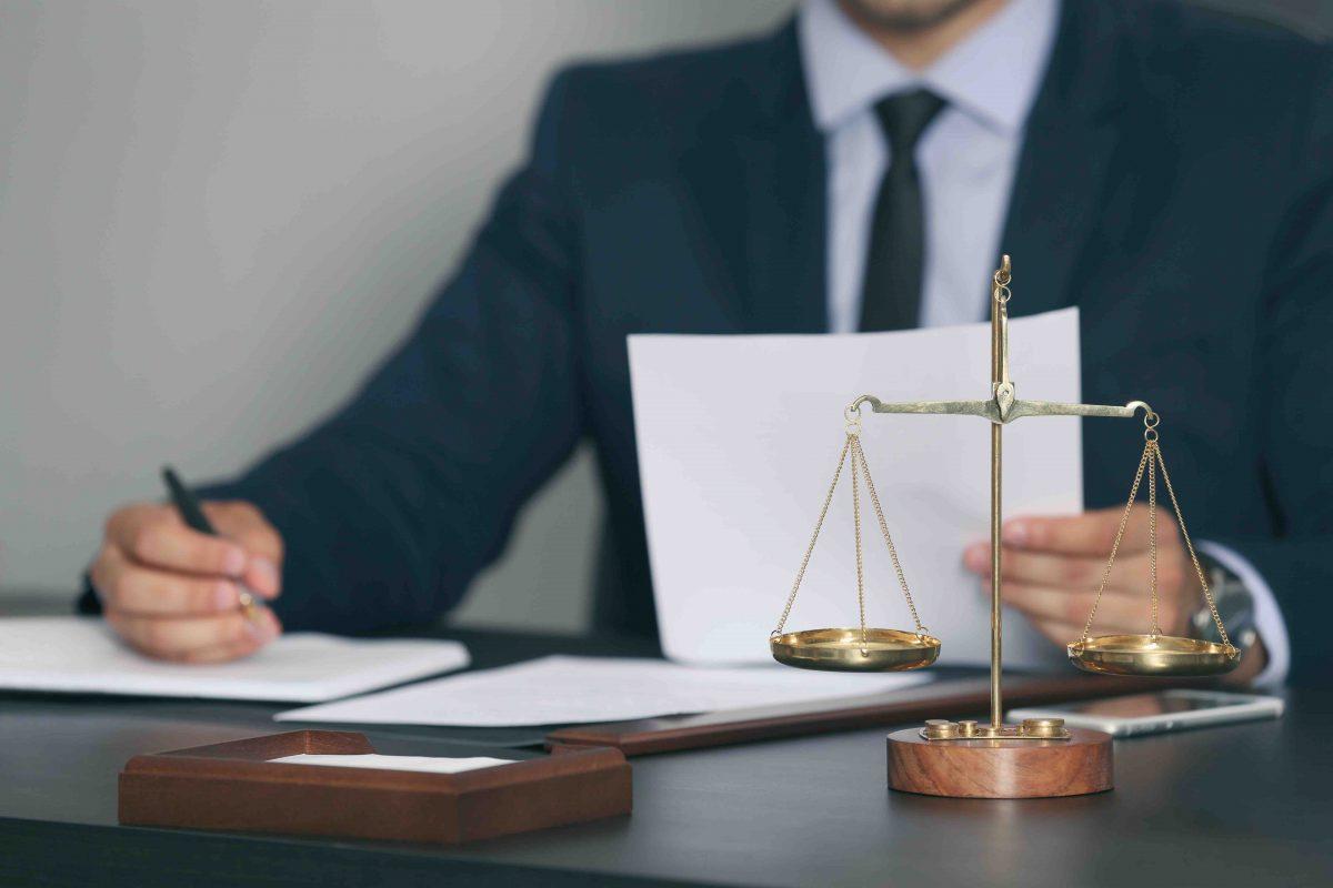 Escolha de nomes para escritório de advocacia
